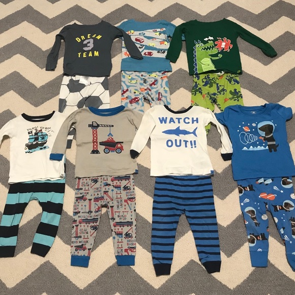 3941e7de51 baby gap Other - Baby boy two piece pajamas lot size 12-18 months